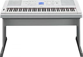 Yamaha DGX-660 Portable Grand Vit Digital Piano